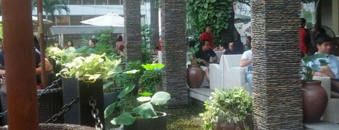 Trung Nguyen Coffee is one of Đồ ăn sài gòn.