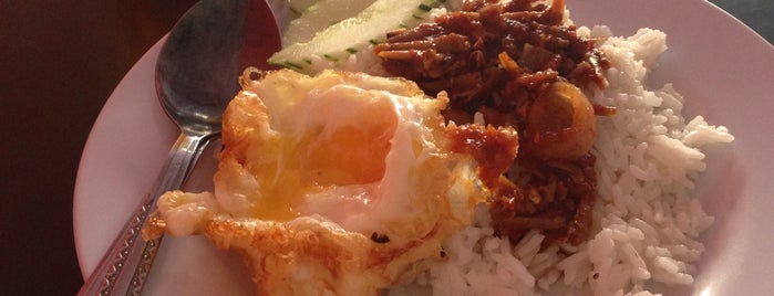 Kluang Station Cafe is one of F&B.