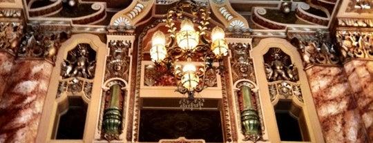 Oriental Theatre is one of The Nederlander Network.