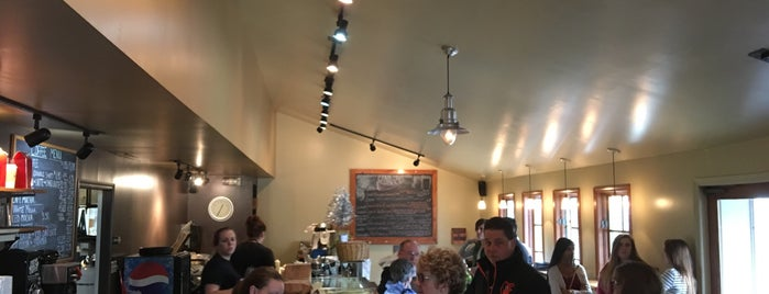 Canoe on the Run is one of Great Eats and Brews Near Deep Creek Lake.