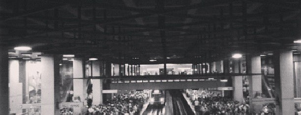 Metro - Plaza Venezuela is one of Sistema Metro de Caracas - Linea 3.