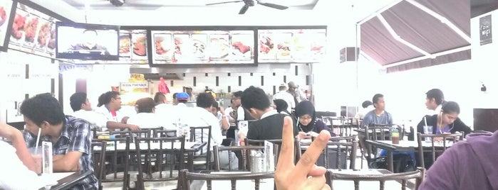 Restoran Azraa Maju is one of jalan2 cari makan seksyen 13 shah alam.