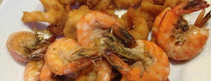 Cannes Frutos do Mar Restaurante is one of Favorite food/drink places in Porto Alegre, Brasil.