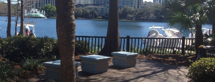 Relax Grill At Lake Eola is one of Favorites.