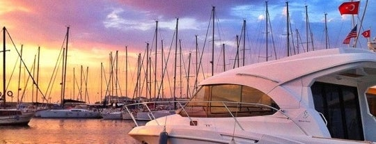 Kalamış Marina is one of Must-visit Great Outdoors in İzmir.