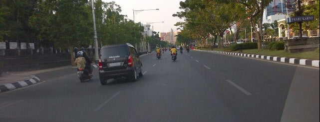 Jalan Pahlawan is one of Top 10 favorites places in Semarang, Indonesia.