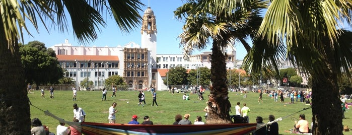 Mission Dolores Park is one of Get Outside in San Francisco!.