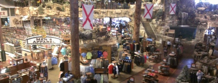 Bass Pro Shops Outdoor World is one of prattVEGAS faves.