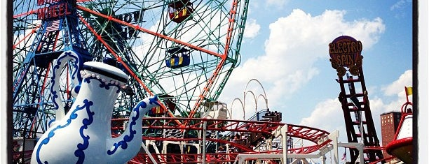 Must see coney island for Puerta 7 luna park