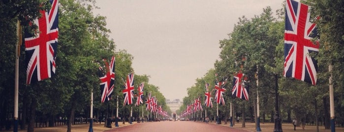 The Mall is one of Posti da vedere a Londra.