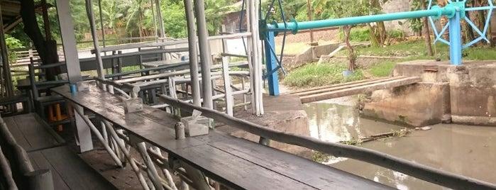 """Warung Wader """"Kedai Kincir"""" is one of Kuliner Wajib @Surabaya."""