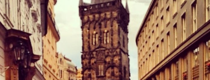 Prašná brána | The Powder Tower is one of Praga 3 Dias.