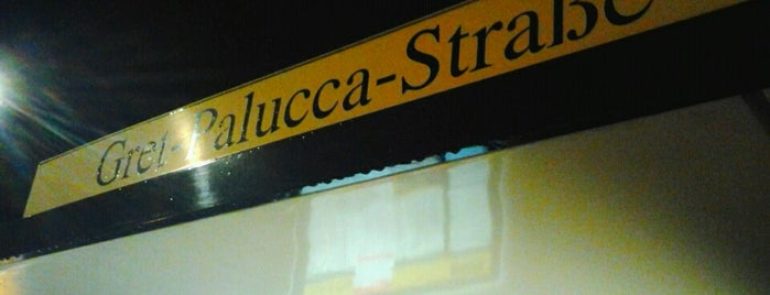 H Gret-Palucca-Straße is one of Waiting Places.