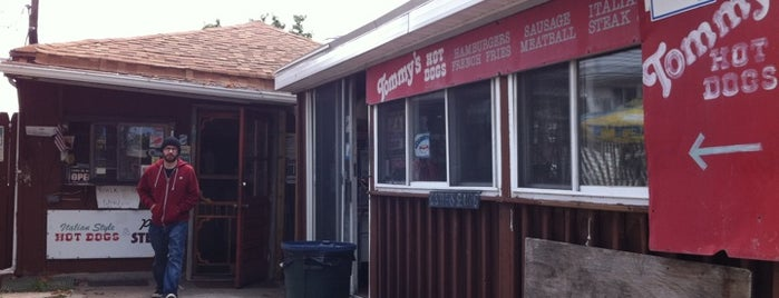 Tommy's Italian Sausage is one of Dogs in Jersey.