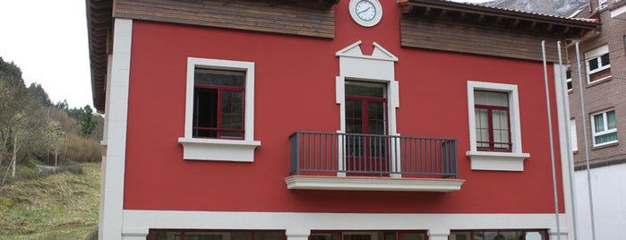 Ayuntamiento De Morcin is one of Oficinas de Turismo en Municipios asociados.