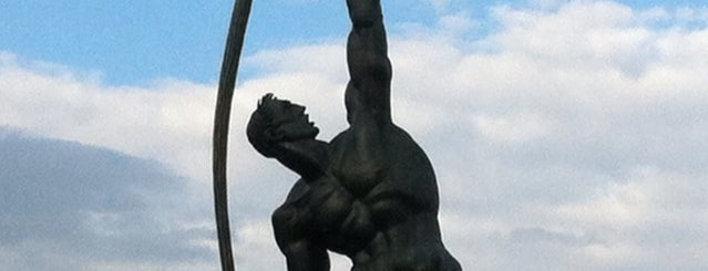 Rocket Thrower Statue is one of NYC Stay-cation.