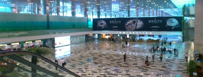 Terminal 3 Arrival Hall is one of Airp0rts.