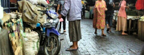 Pasar Maling Wonokromo is one of Check in #durjana w/ #mempASUna.