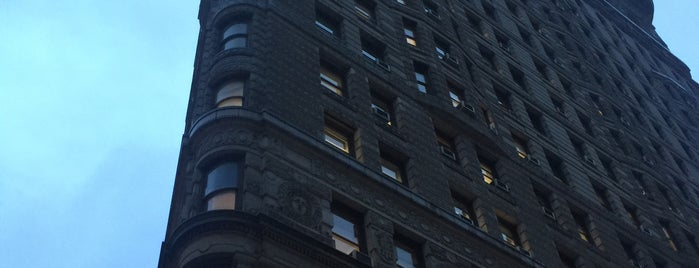 Flatiron Building is one of NYC To-Do.