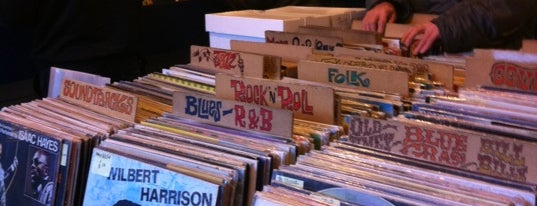 Out On The Floor Records is one of Bin Flipping: Record Shops #vinyl.