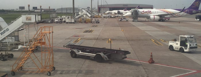 Stand 102 is one of TH-Airport-BKK-3.