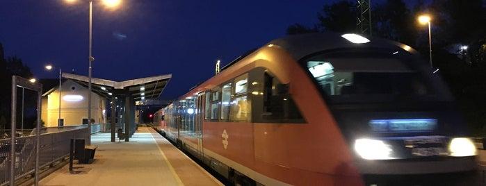 Pilisvörösvár vasútállomás is one of Tömegközlekedés.