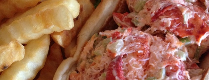 Lobster Roll is one of Hamptons.