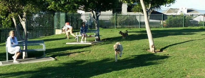 Queens Park Dog Park is one of Woodstock/Obs.