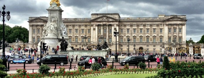 Buckingham Palace is one of 5 days in London.