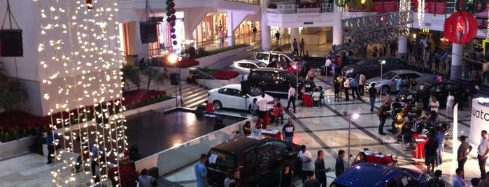 Glorietta 1 is one of Malls.