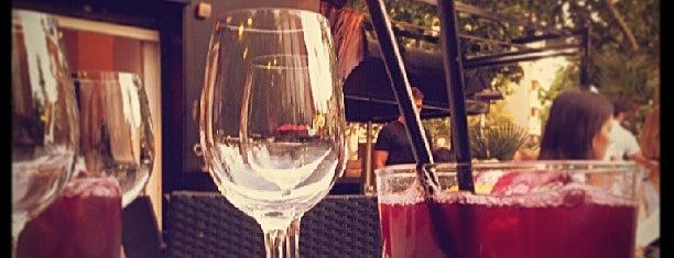 El Escondite is one of Restaurantes recomendables.