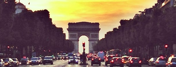 Avenue des Champs-Élysées is one of First Time in Paris?.