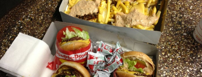 In-N-Out Burger is one of Must-visit Food in Pasadena.