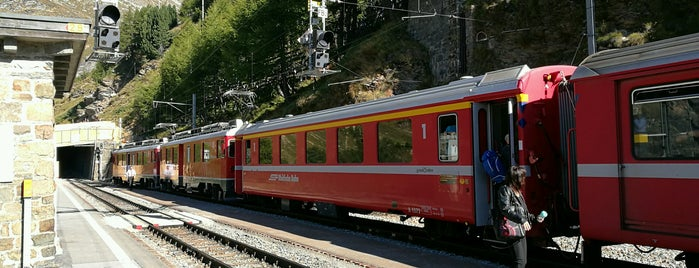 Bahnhof Alp Grüm is one of Bahnhöfe Top 200 Schweiz.