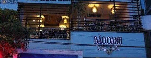 Bao Oanh Café is one of Cafe. chân dài.