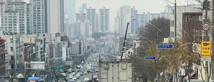 Soongsil Univ. Stn. is one of 화장실.