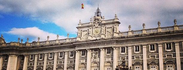 Plaza de La Almudena is one of @ Madrid (MD, España).