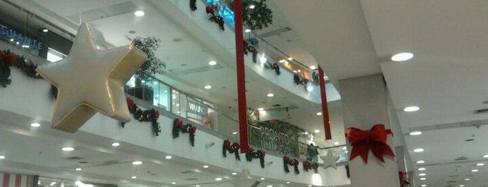 Mall Plaza Alameda is one of Shopping en Stgo..