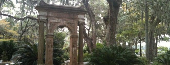 Bonaventure Cemetery is one of Savannah.