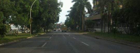 Via W3 Norte is one of Lugares....