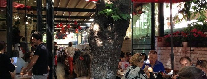 Happy Moon's is one of Restoranlar.