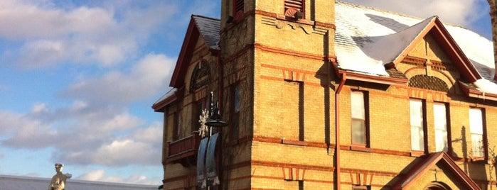 Uxbridge Public Library is one of Free WIFI Hot Spots in Durham Region.