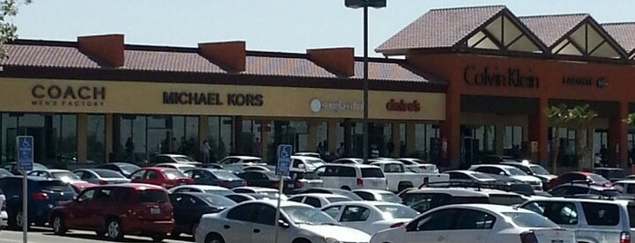 Tanger Outlet Barstow is one of Los Angeles.