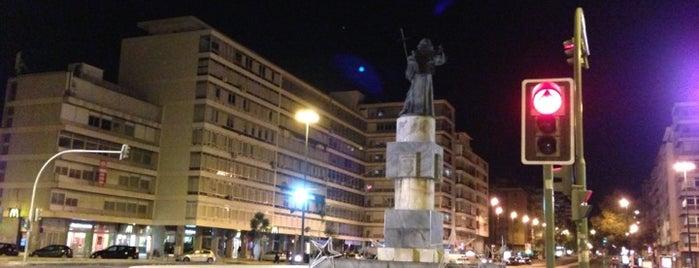 Praça de Alvalade is one of Dog people.