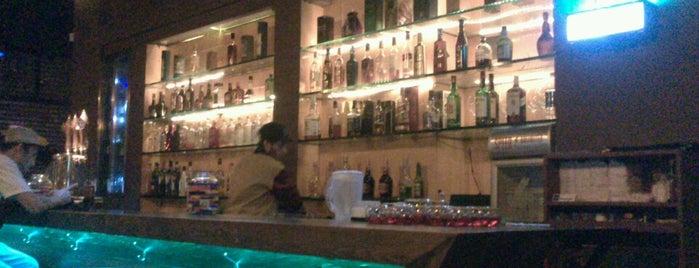 Caracas Bar is one of Barecos de Bs As.