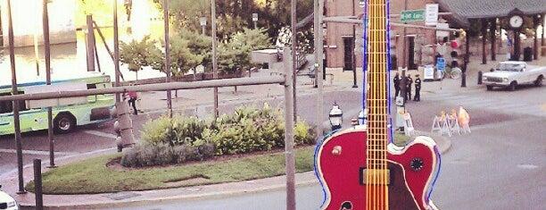 Hard Rock Cafe Nashville is one of HARD ROCK CAFE'S.