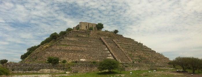 Piramide El Cerrito is one of Entretenimiento.