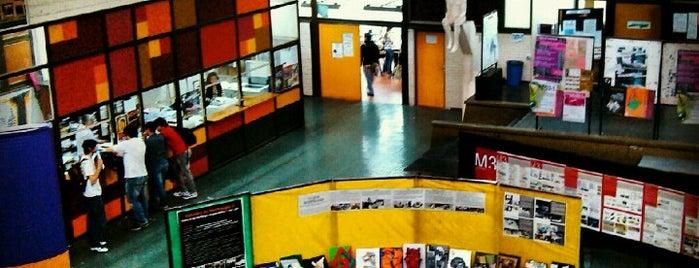 Facultad de Arquitectura y Urbanismo is one of facu.