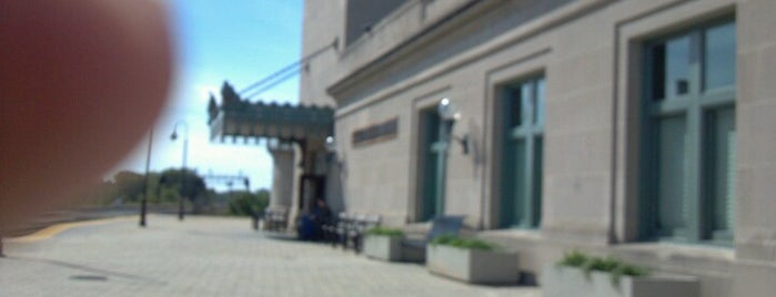 Amtrak/Metra Joliet Union Station (JOL) is one of Downtown Joliet.