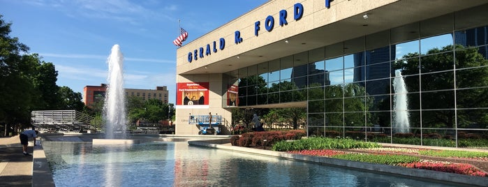 G.R. Ford Fountain is one of Parks/Outdoor Spaces in GR.